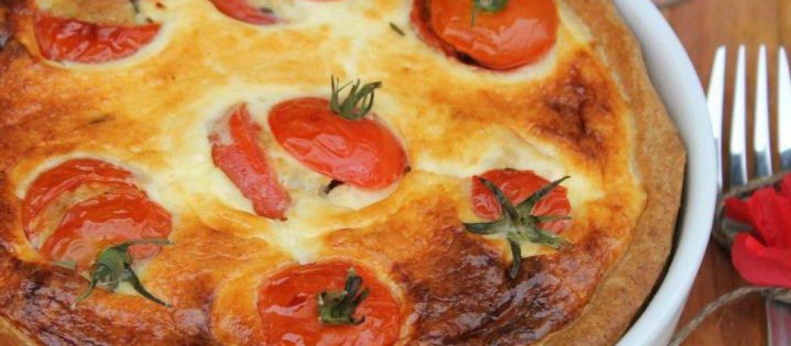 zalivnoy-pirog-s-pomidorami